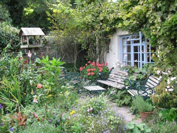 Sit back in Combas Farms beautiful garden and feel the stress seep away.