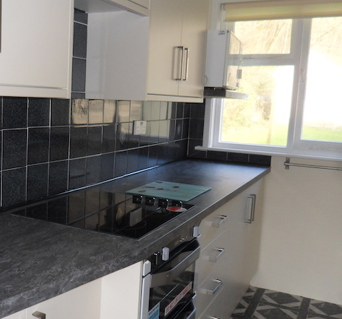 Fitted cooker and hob in the recently upgraded kitchen